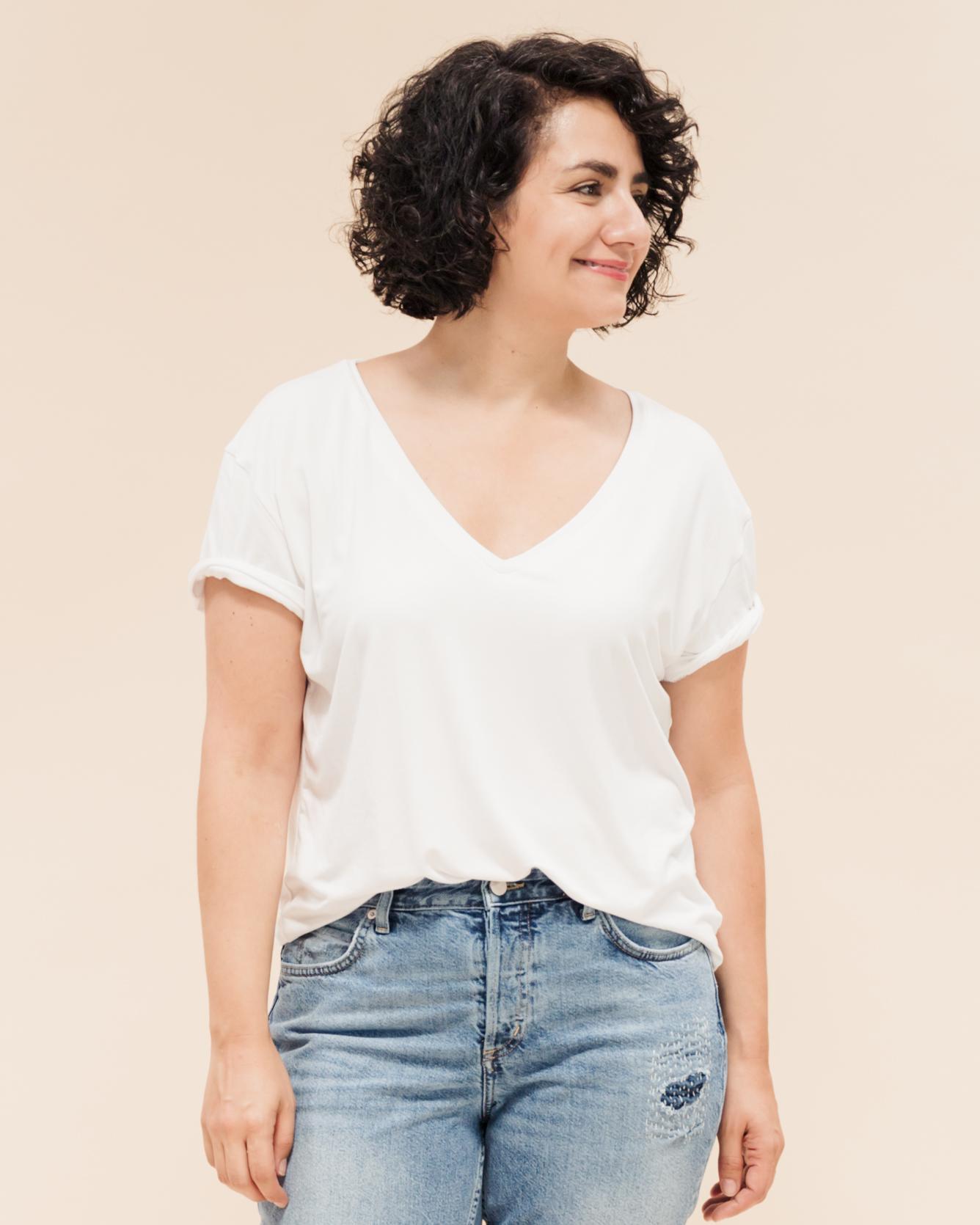 Lässiges T-Shirt nähen mit V-Ausschnitt. Tomboy T-Shirts Schnittmuster für trendige Oversize T-Shirts in angesagtem Boyfriend Look.