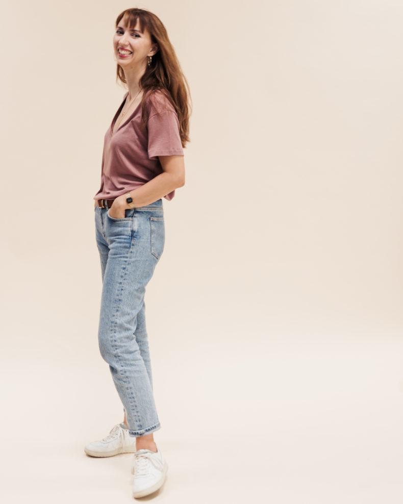 """Oversize T-Shirt Schnittmuster mit V-Ausschnitt nähen mit dem """"Tomboy"""" Schnittmuster T-Shirt V-Ausschnitt für Damen - Schnittduett moderne Schnittmuster für Damen"""