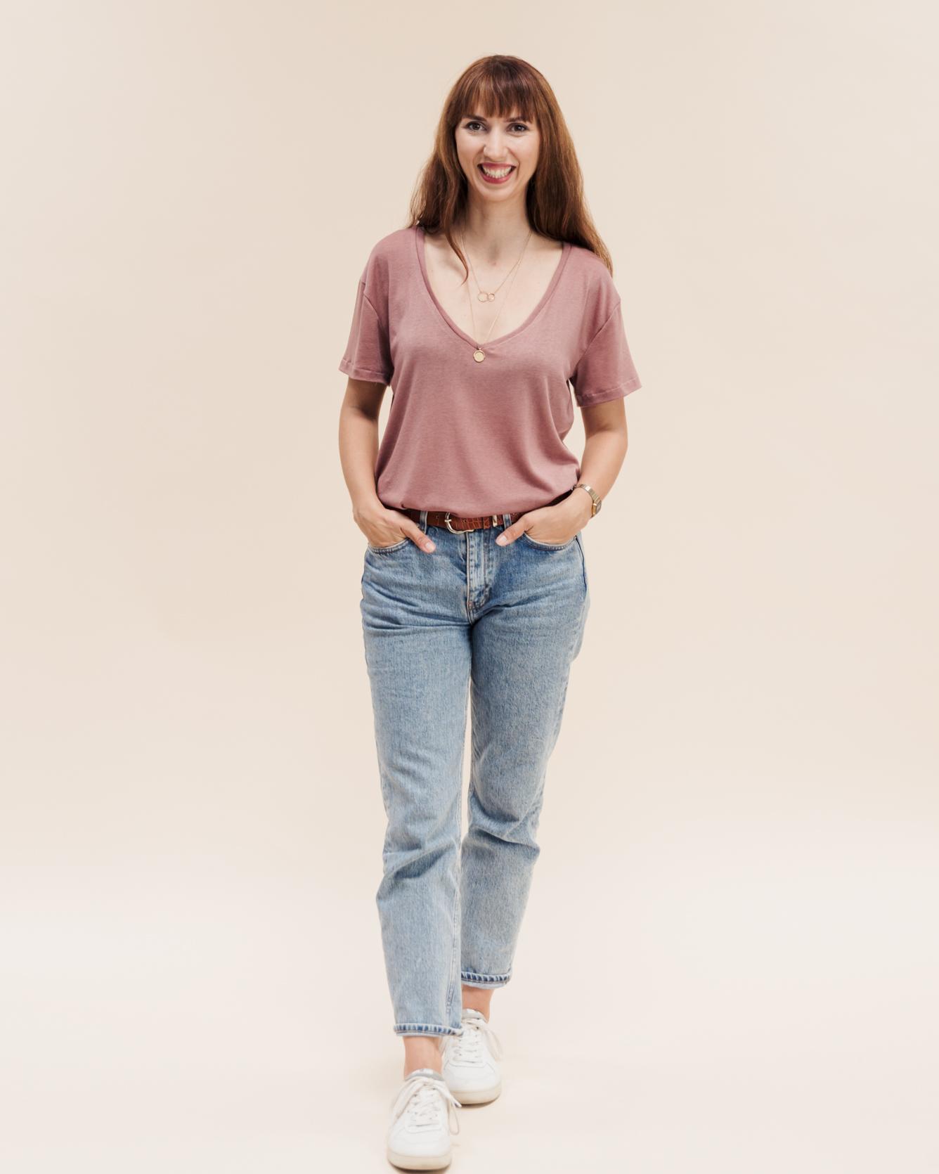 Lässiges T-Shirt mit V-Ausschnitt. Tomboy T-Shirts Schnittmuster für trendige Oversize T-Shirts in angesagtem Boyfriend Look.