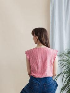 Schnittmuster Escapade Bluse mit V-Ausschnitt mit kurzem Arm - Rückansicht